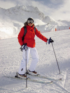 10571-a-woman-snow-skiing-pv
