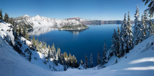 640px-crater_lake_winter_pano2